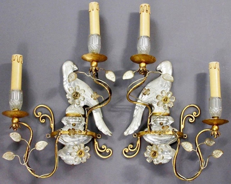 Crystal glass and gilded iron in very good condition.
