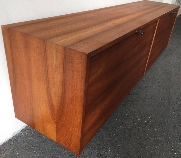 Rare Florence Knoll No. 121 Hanging Cabinet For Sale 3