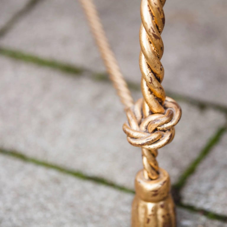 Hollywood Regency Italian Gilt Iron Tassel and Rope Table In Good Condition For Sale In Munich, DE