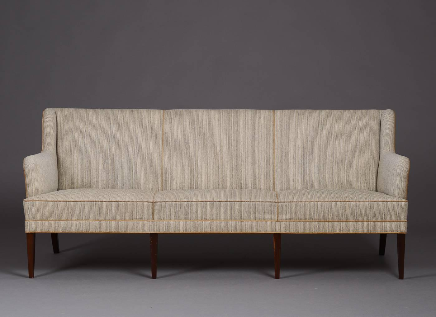 wonderful frits henningsen sofa for sale at 1stdibs. Black Bedroom Furniture Sets. Home Design Ideas