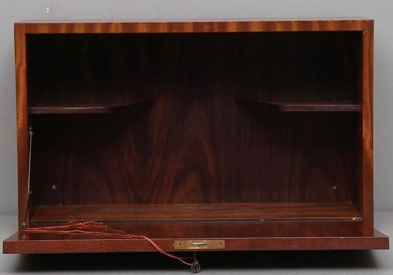 Mid-Century Modern Nice and Small Cabinetmakers Hanging Bar Cabinet For Sale