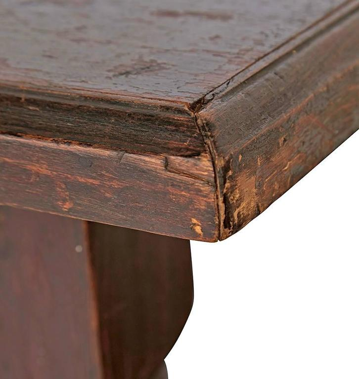 Turned leg mercantile table with carved apron circa s