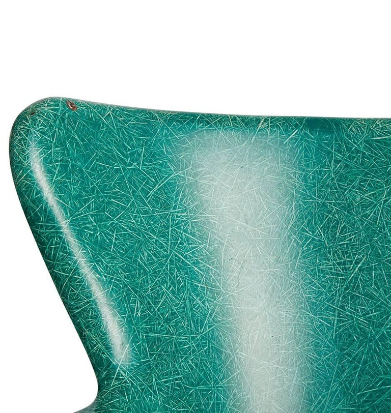 Mid-Century Modern Pair of Incredible Wingback Fiberglass Chairs by Selig, circa 1960s For Sale