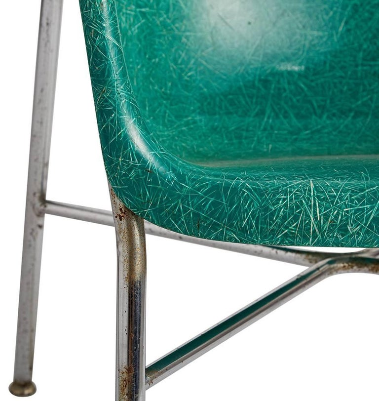Mid-20th Century Pair of Incredible Wingback Fiberglass Chairs by Selig, circa 1960s For Sale