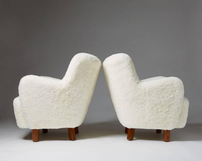 Scandinavian Modern Pair of Armchairs, Anonymous, Denmark, 1940s For Sale
