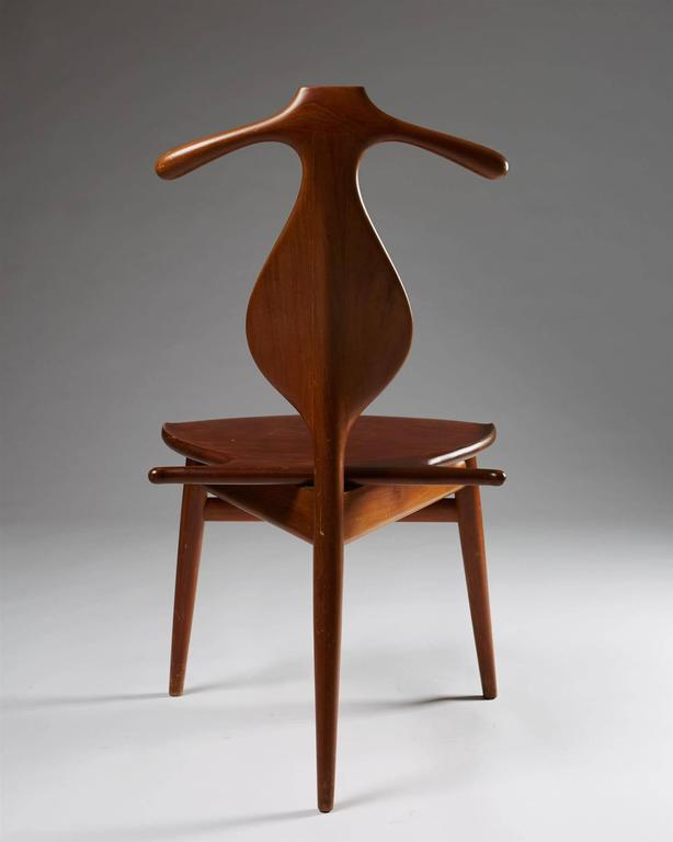 Valet chair designed by Hans Wegner for Johannes Hansen, 