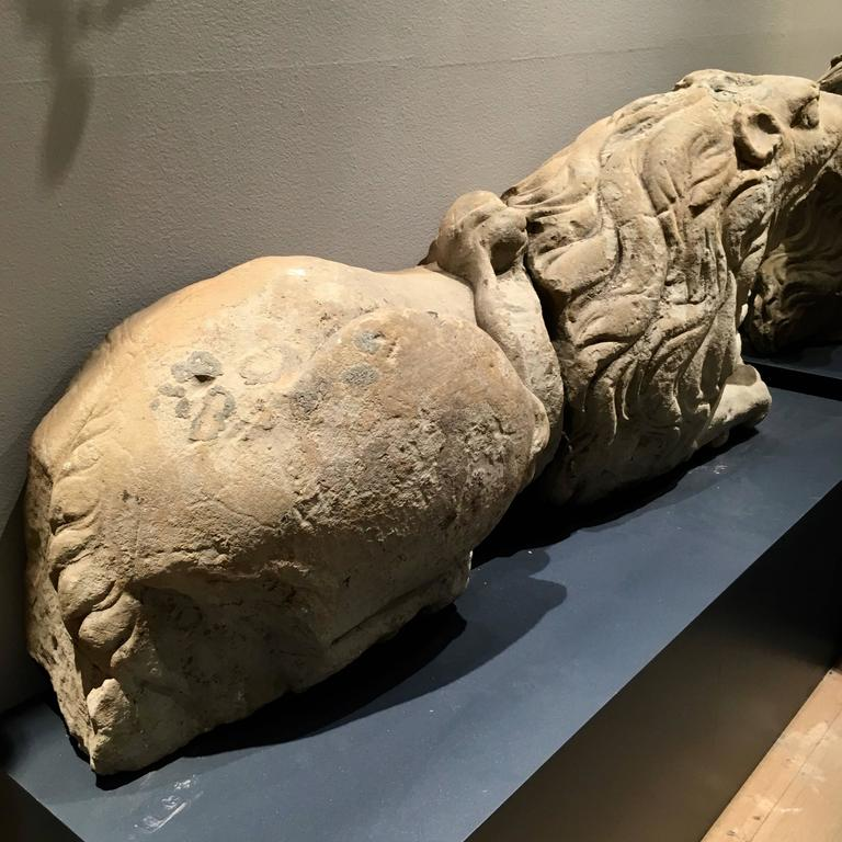 Pair of 17th Century Carved Sandstone Reclining Lions Originally Part of the For Sale 3
