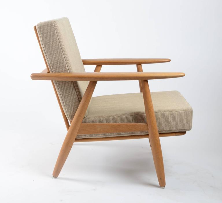 "Hans J Wegner Pair of GE 240 ""Cigar"" Lounge Chairs for GETAMA For Sale at 1"