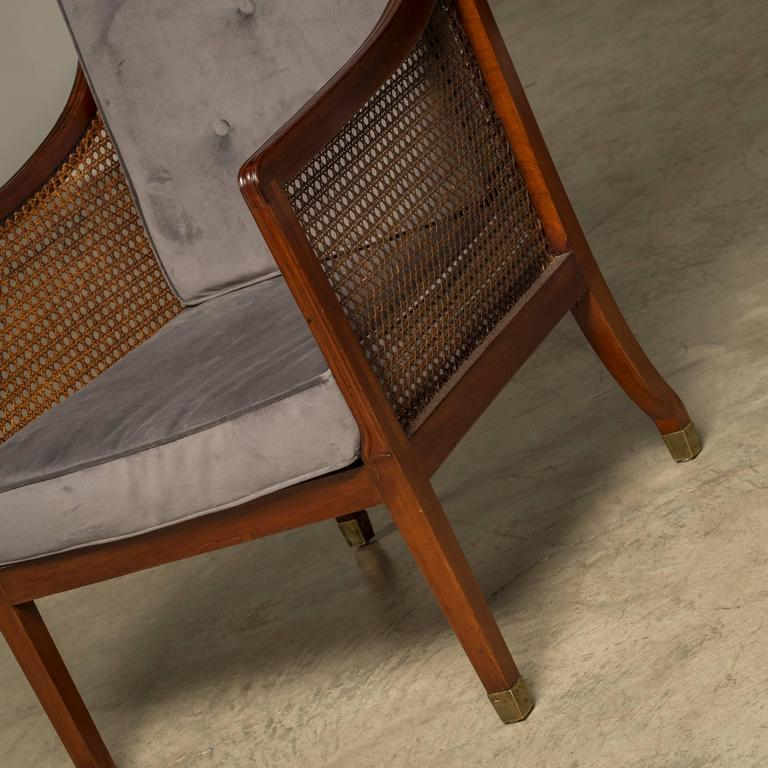 English Early 19th Century Regency Armchair in Mahogany and Cane For Sale