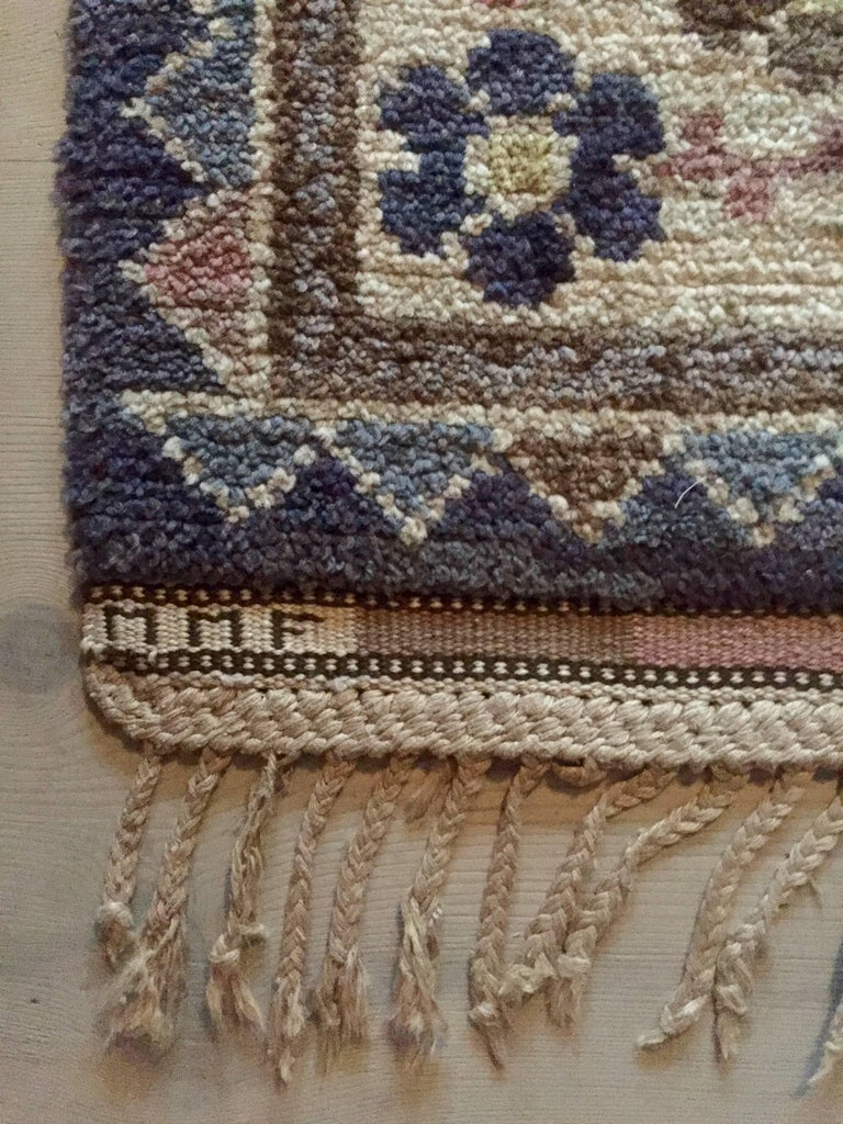 Lovely 'Steninge' rug. Knotted pile. Designed in 1926. Handwoven at Marta Maas-Fjetterström AB, Båstad, Sweden.