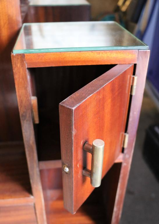 Display Case by DIM, Mahogany Veneers, France, Art Deco, circa 1930 In Good Condition For Sale In Paris, FR