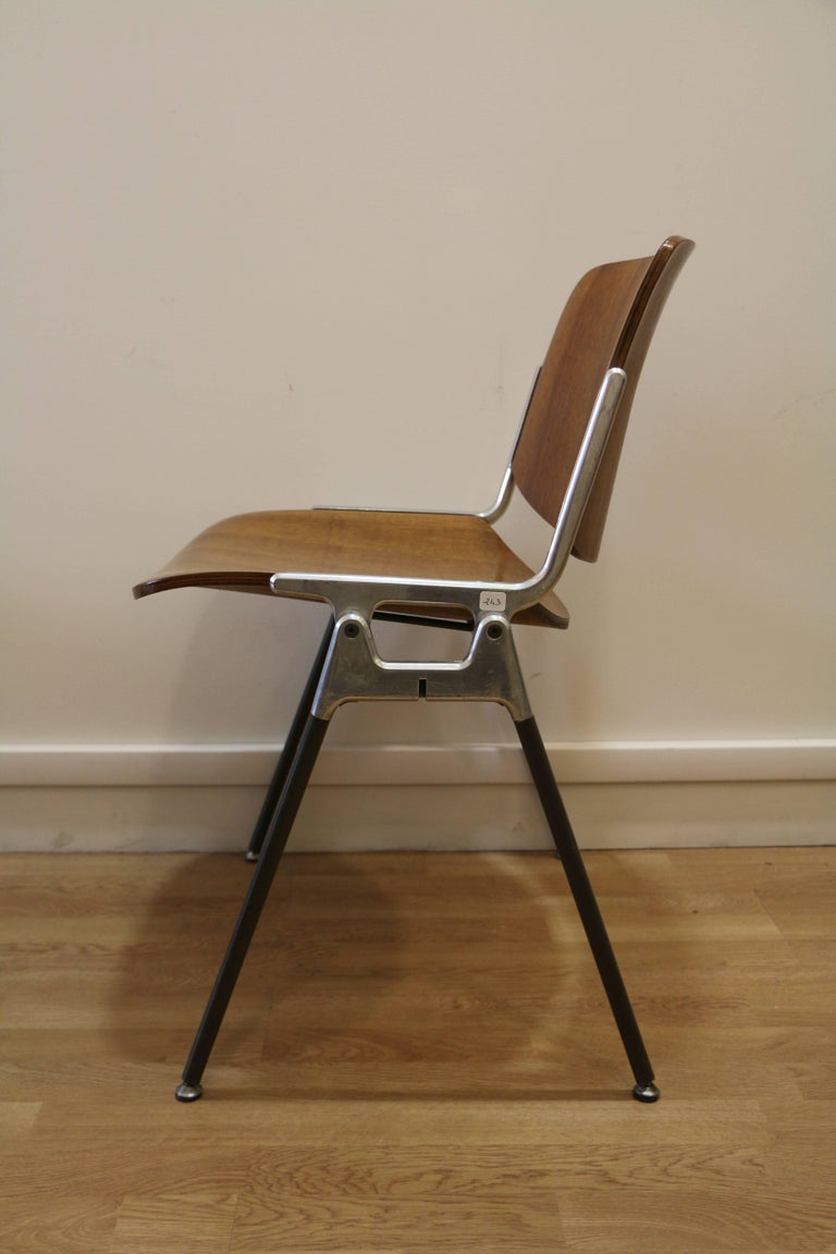 Italian Set of Six Mid-Century Modern Chairs by Giancarlo Piretti, Italy, 1970s For Sale