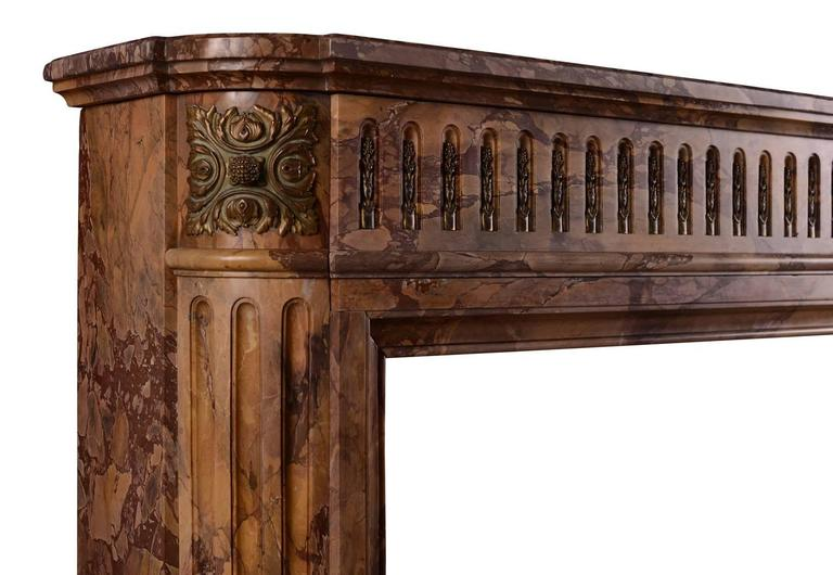 Petite Louis XVI Style Marble Fireplace Mantel In Excellent Condition For Sale In London, GB