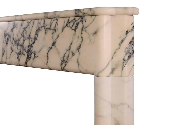 Art Deco Fireplace Mantel in Italian Pavonazzo Marble In Excellent Condition For Sale In London, GB