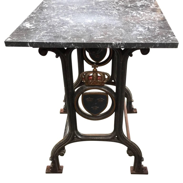 Neoclassical 19th Century Cast Iron Marble-Top Bistro Table with Swedish Coat of Arms For Sale