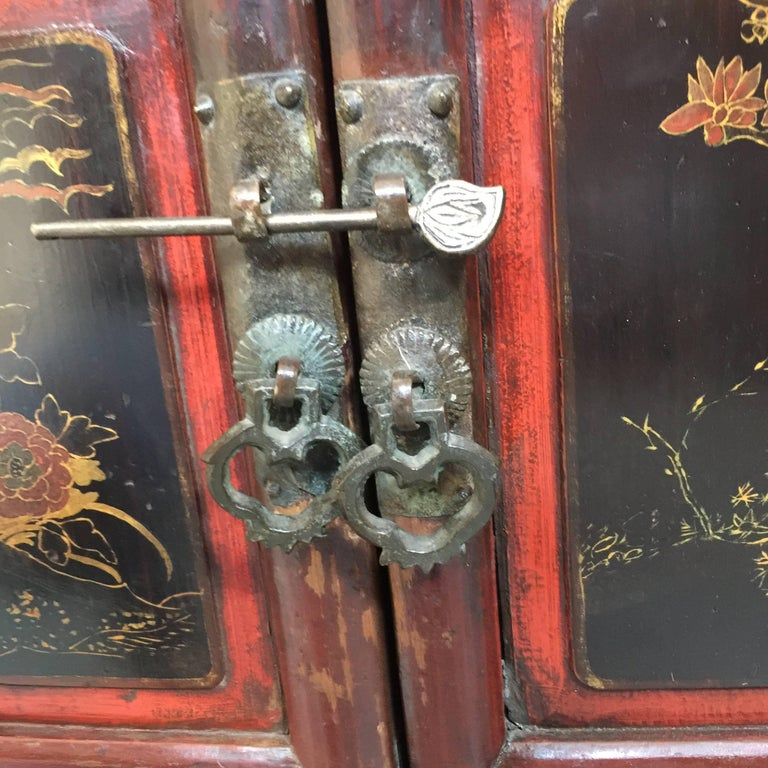 Wood Early 20th Century Chinese Cabinet For Sale