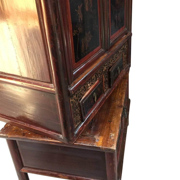Early 20th Century Chinese Cabinet For Sale 4