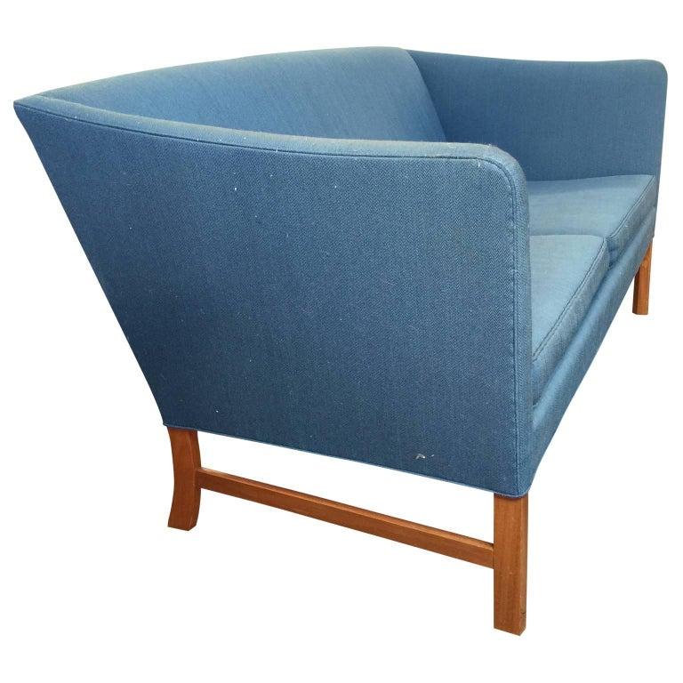 Scandinavian Modern Ole Wanscher Sofa in Blue Linen Upholstery For Sale