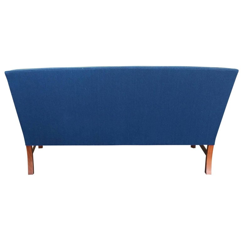 Mid-20th Century Ole Wanscher Sofa in Blue Linen Upholstery For Sale