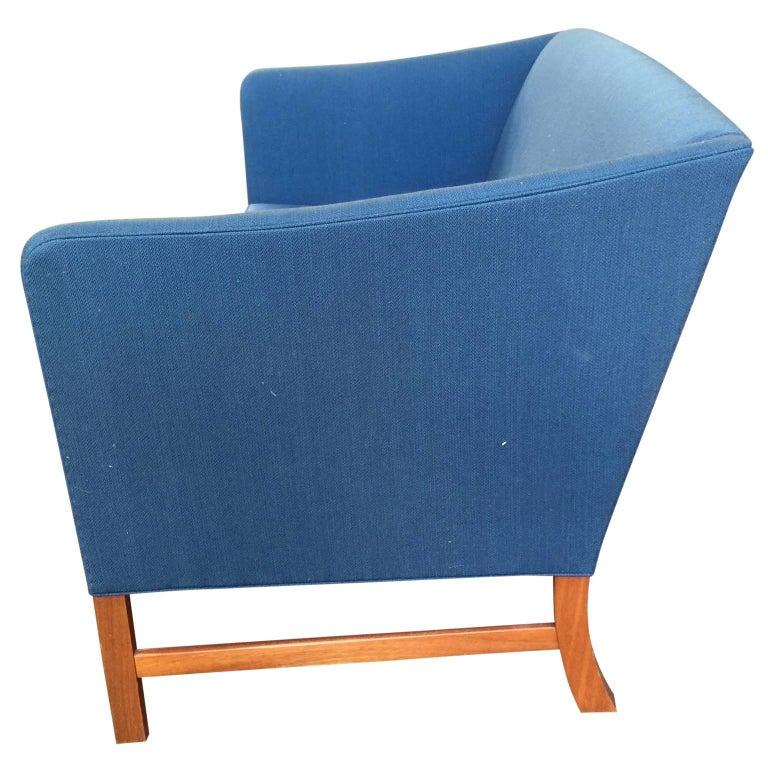Danish Ole Wanscher Sofa in Blue Linen Upholstery For Sale