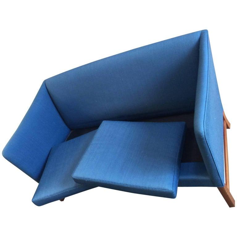 Ole Wanscher Sofa in Blue Linen Upholstery In Good Condition For Sale In Copenhagen, K