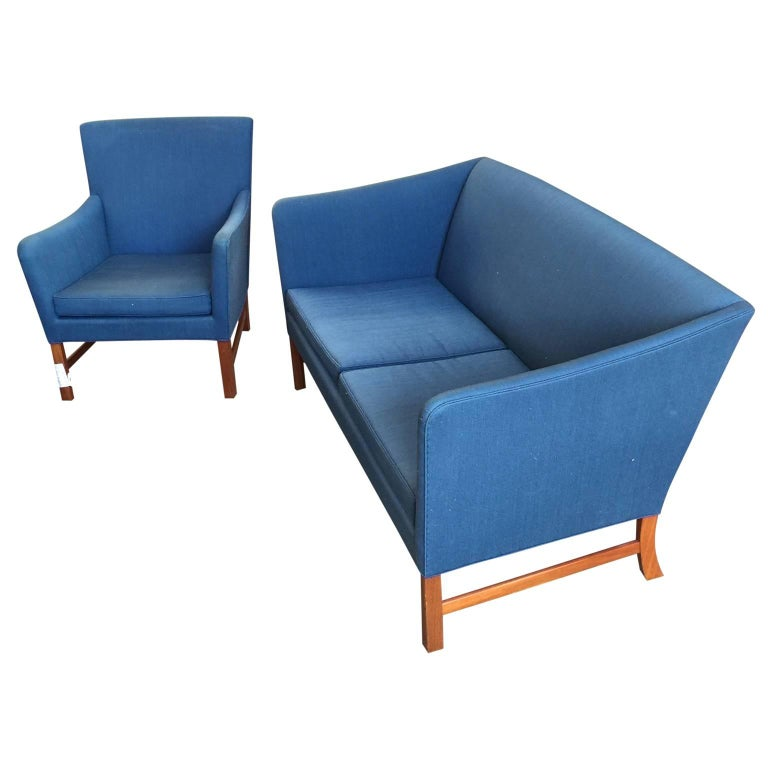 Ole Wanscher Sofa in Blue Linen Upholstery For Sale 1