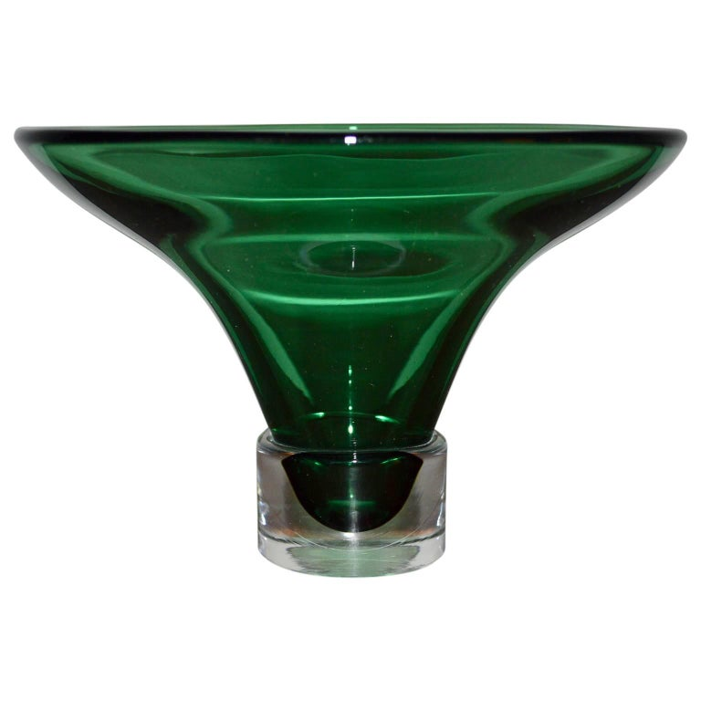 Midcentury green Sommerso Murano bowl or centerpiece.