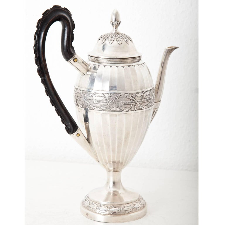 Neoclassical Coffee Pot, Augsburg, 1807-1809 In Excellent Condition For Sale In Greding, DE