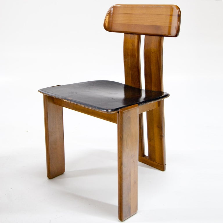 Mid-Century Modern Four Chairs, Attributed to Afra & Tobia Scarpa for Maxalto, Italy, 1970s For Sale
