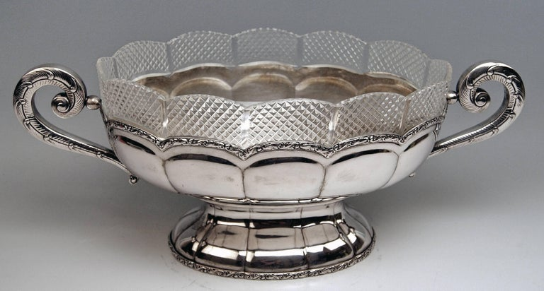 Silver 800 Flower Bowl Jardiniere Vienna Diana Head Mark, circa 1900 In Excellent Condition For Sale In Vienna, AT