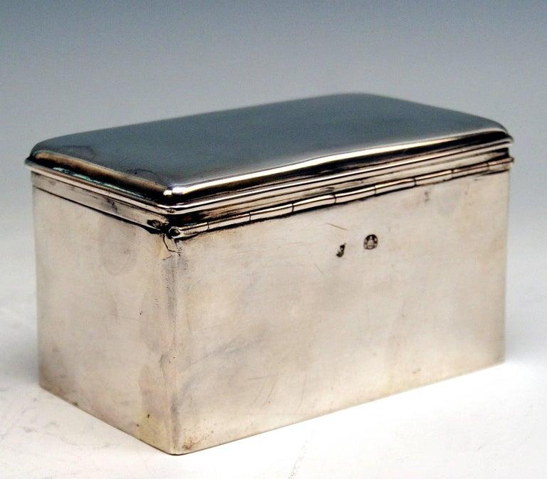 Austrian Biedermeier Silver Sugar Box, Vienna, Josef Wiederspeck, 1839 In Excellent Condition For Sale In Vienna, AT