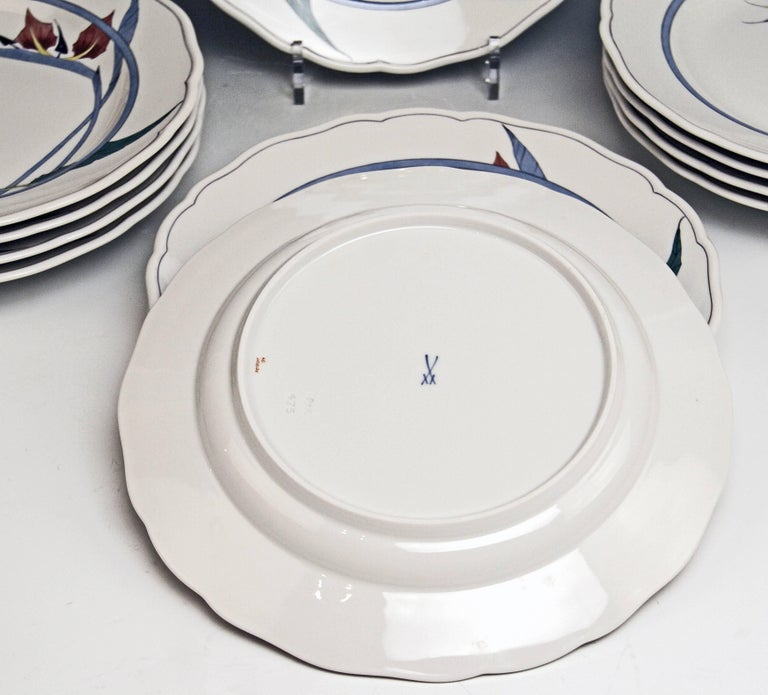 Meissen Dinner Set Decor 701701 12 Persons Paradise Flowers by Heinz Werner In Excellent Condition For Sale In Vienna, AT