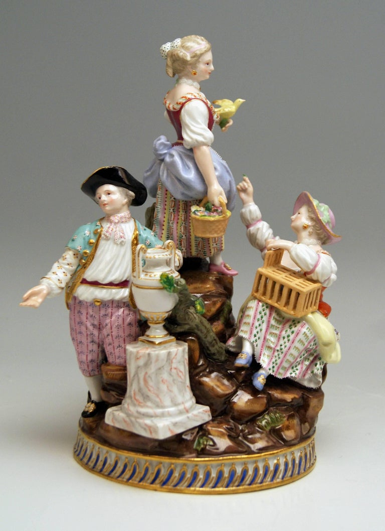 Meissen Gardener Figurines Model F 94 Michel Victor Acier made circa 1830-1840 In Excellent Condition For Sale In Vienna, AT
