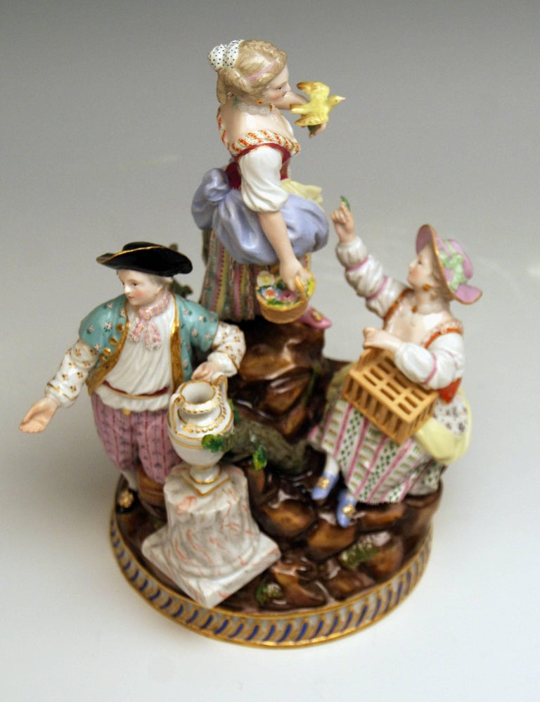 Porcelain Meissen Gardener Figurines Model F 94 Michel Victor Acier made circa 1830-1840 For Sale