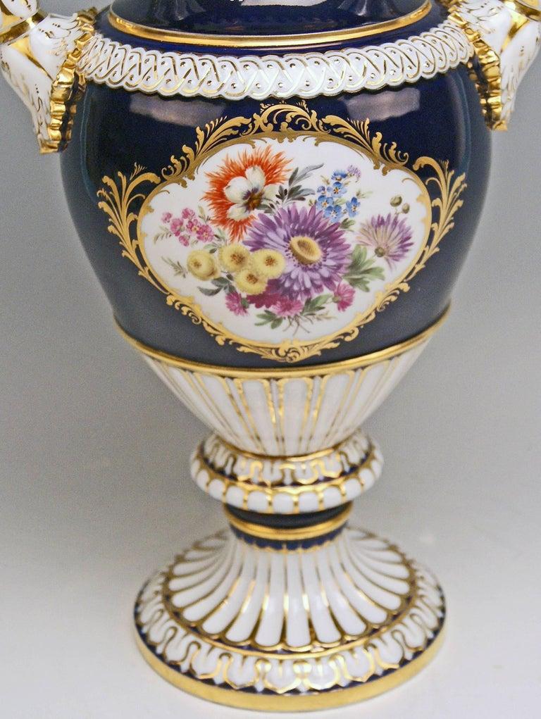 German Meissen Snake Handles Vase Painted Designed by Leuteritz, circa 1924-1934 For Sale