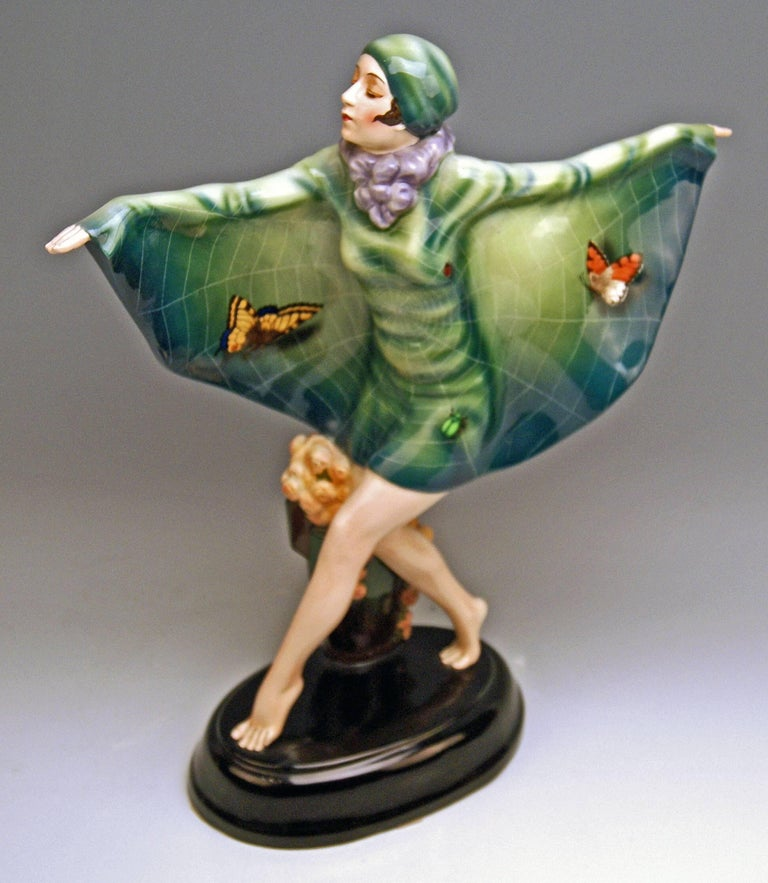Goldscheider Vienna Lorenzl Dancing Butterfly Lady Captured Bird Nr.5230 In Excellent Condition For Sale In Vienna, AT