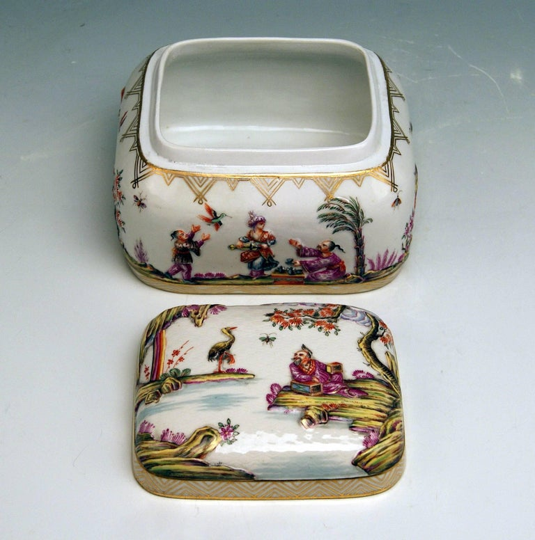 Meissen Painted Lidded Box Relief Decoration Chinoiseries Made circa 1850 4