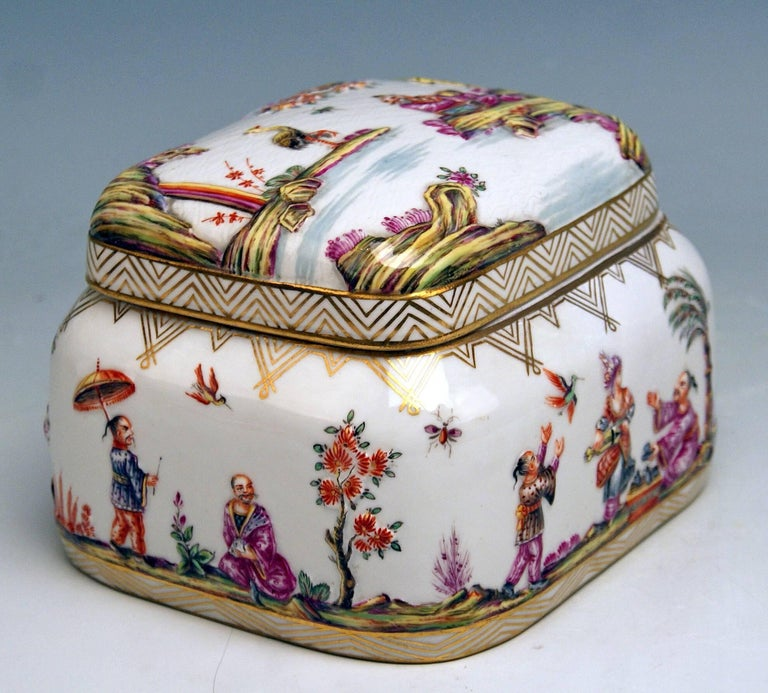 Meissen Painted Lidded Box Relief Decoration Chinoiseries Made circa 1850 2