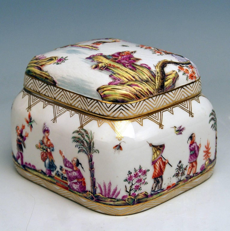 Meissen Painted Lidded Box Relief Decoration Chinoiseries Made circa 1850 3