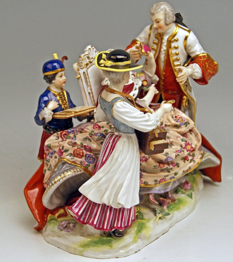 Meissen Gallant Figurines the Sale of Heart Box Model 100, Kaendler, circa 1860 3