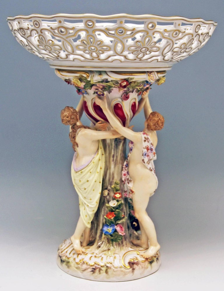 Meissen centrepiece / fruit bowl, supported by three sculptured female figurines, depicting the Three Charities. 