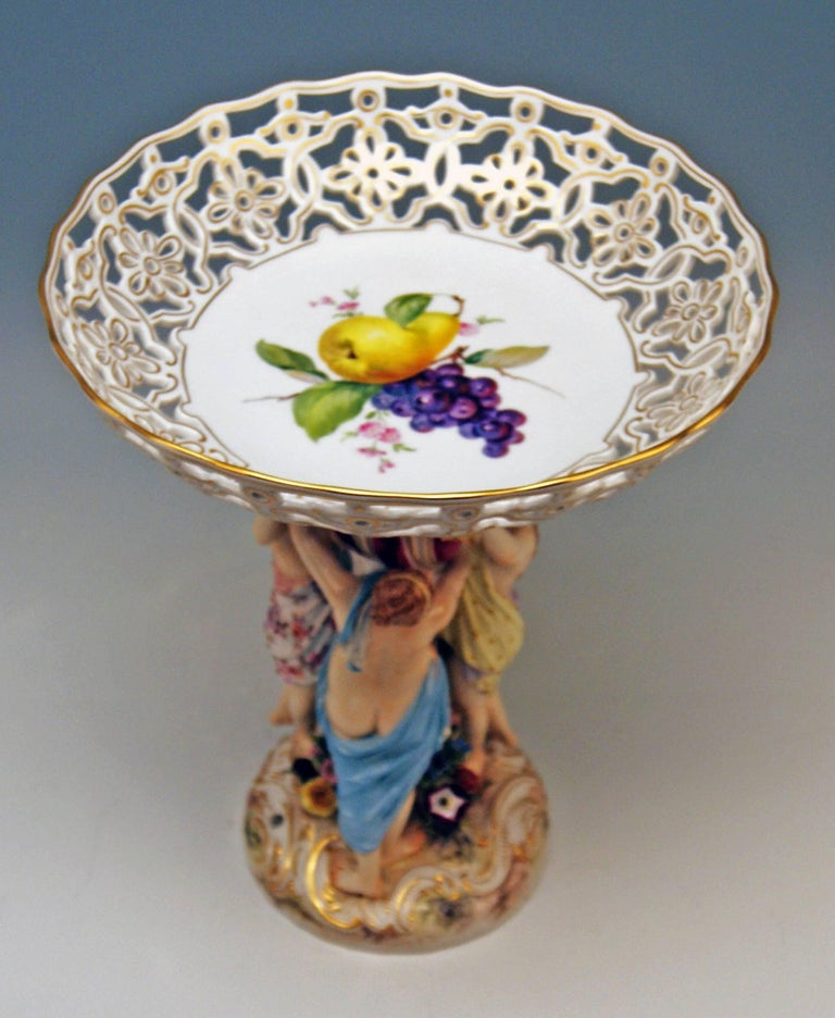 Meissen Centrepiece Fruit Bowl the Three Charities Sculptured Figurines In Excellent Condition For Sale In Vienna, AT