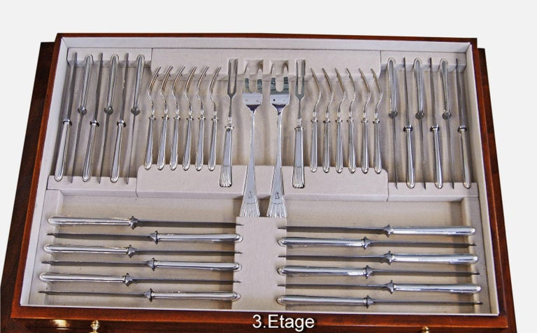 Silver 800 186-Piece Flatware Cutlery Set 12 Persons V.C.Dub Austria Vienna 1915 In Excellent Condition For Sale In Vienna, AT