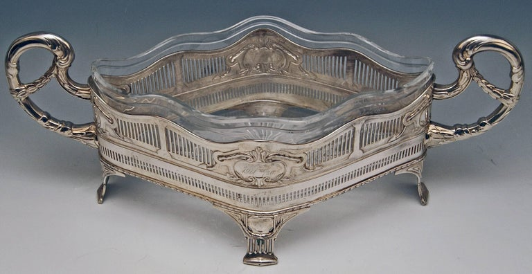 Silver 800 Flower Bowl Jardiniere Austria Art Nouveau, circa 1911 In Excellent Condition For Sale In Vienna, AT