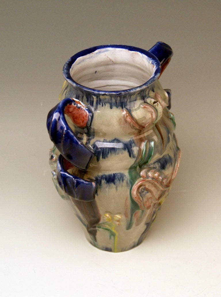 Austrian Ceramics Vase Expressionist Style by Vally Wieselthier Vienna 1923 In Excellent Condition For Sale In Vienna, AT