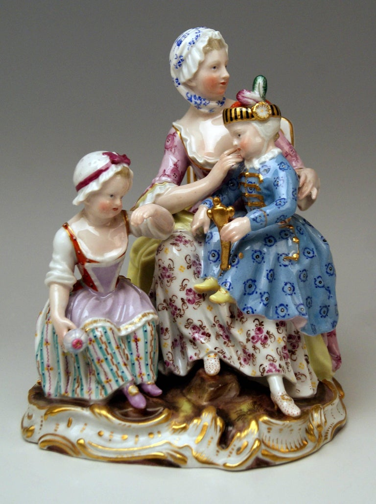 Meissen Mother Two Children Model 2379 by Johann Joachim Kaendler, circa 1870 In Excellent Condition For Sale In Vienna, AT