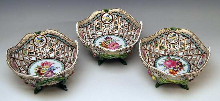 Rococo Meissen Set of Three Oval Reticulated Basket Bowls with Flowers, circa 1850 For Sale