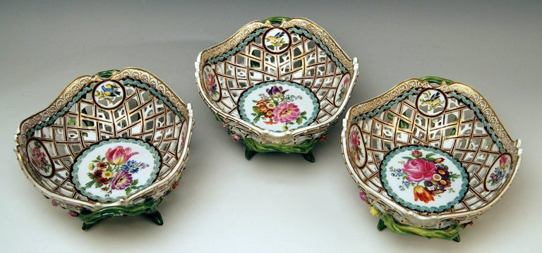 German Meissen Set of Three Oval Reticulated Basket Bowls with Flowers, circa 1850 For Sale