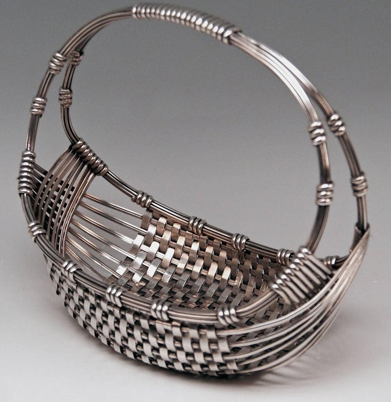 Silver Austrian stunning Art Nouveau fruit basket of most elegant appearance.  Manufactory: Famous Viennese silver manufactory JOSEF CARL KLINKOSCH (hallmarked).  Manufactured circa 1900  Made of silver800 1. branded by Austrian Imperial