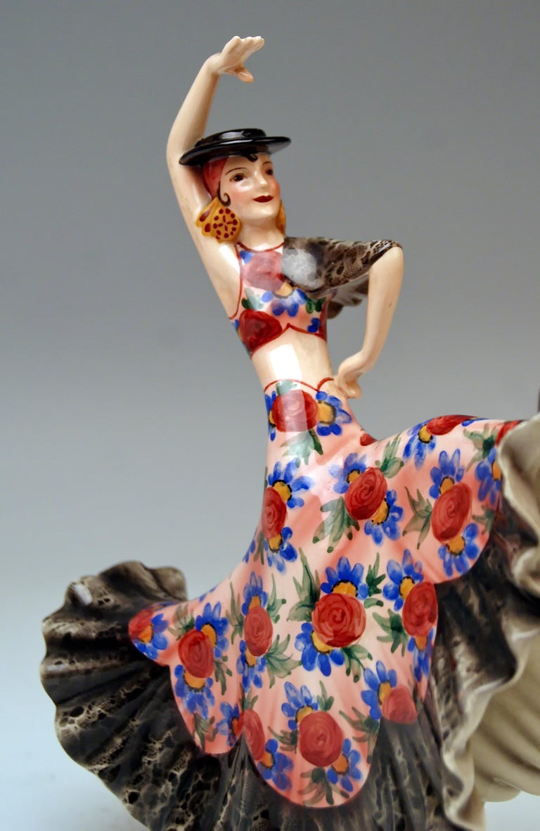 Keramos Spanish Lady Dancer Model 1400 by Stefan Dakon Made, circa 1950-1960 In Excellent Condition For Sale In Vienna, AT